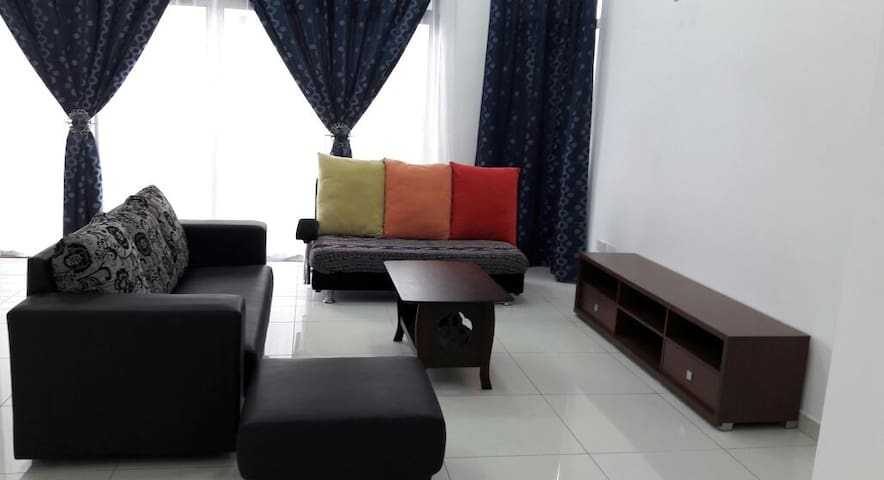 Shah Alam Spacious & Cozy Room For Two - Shah Alam - Dom