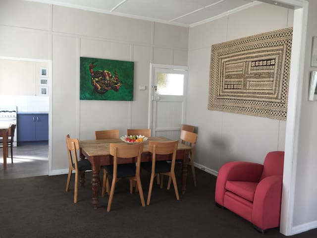 Affordable 'socialdistance' cottage handy services