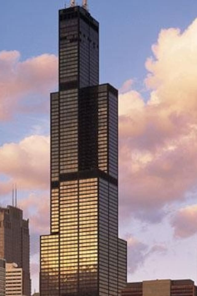 Check out breathtaking city views from the top of Willis Tower-20 min ride