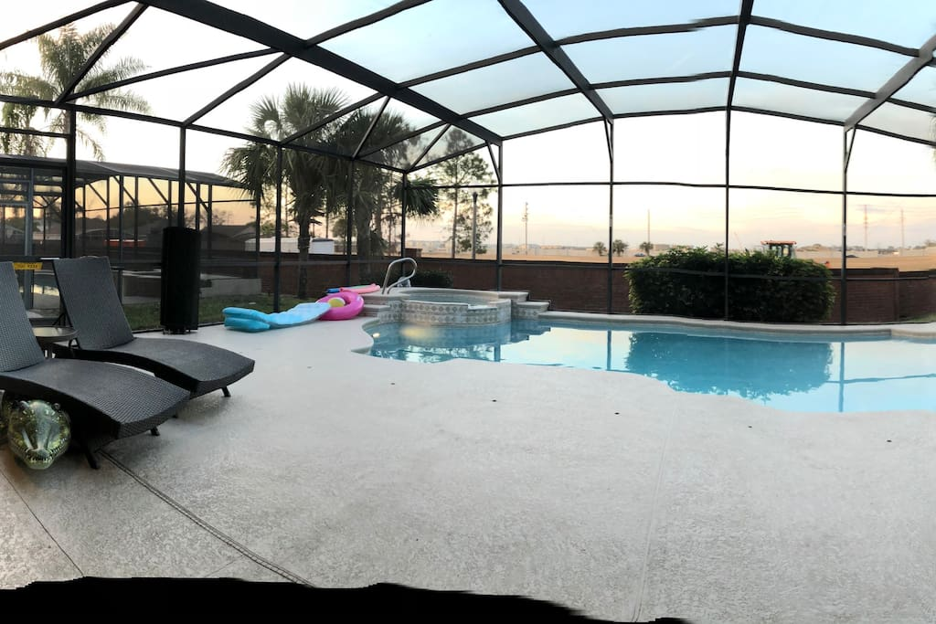 Large pool deck to watch the sunset