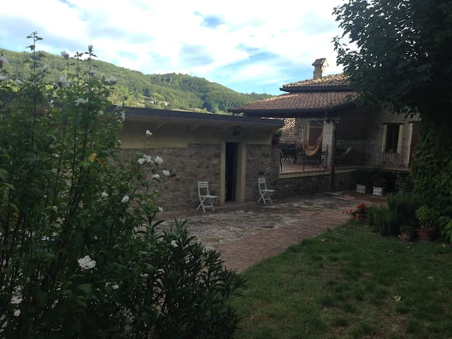 Countryside manor - peace & relax - Lesignano De' bagni - Dom