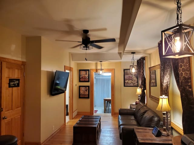 2BR Townhome in the heart of Dubuque IA, Sleeps 6