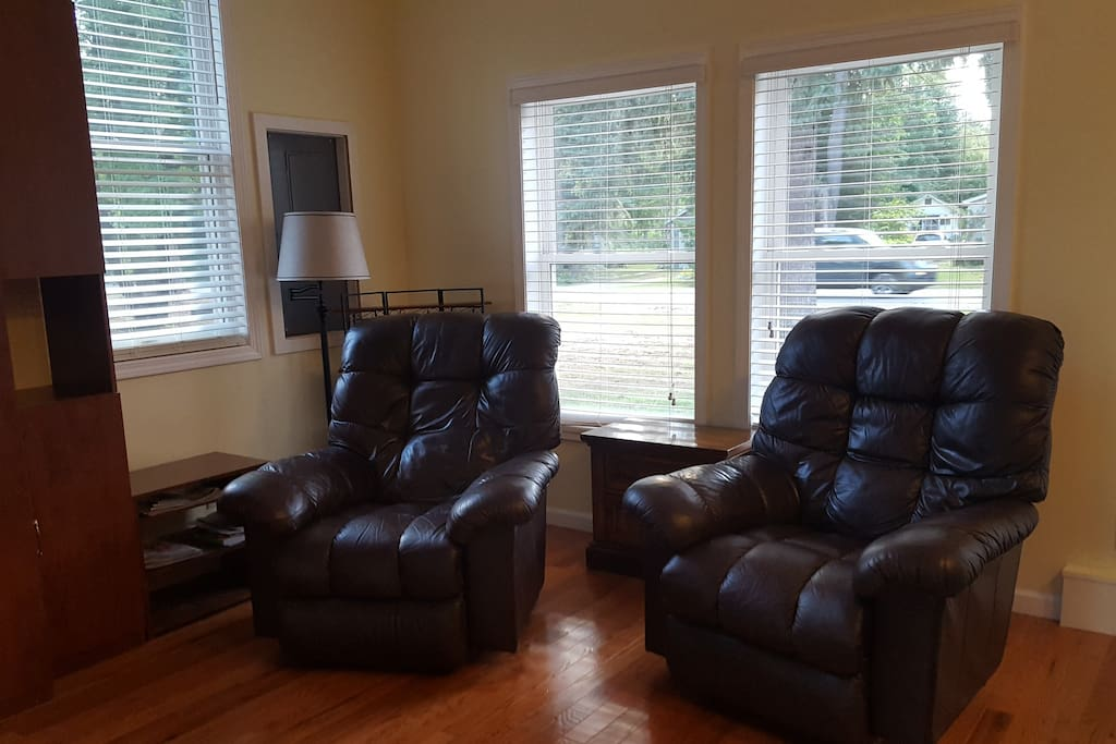 2 Comfortable Lazy Boy Recliners