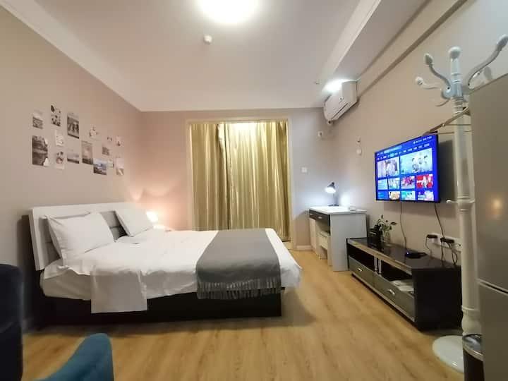 宸睿公寓(山大商务店)精致大床房