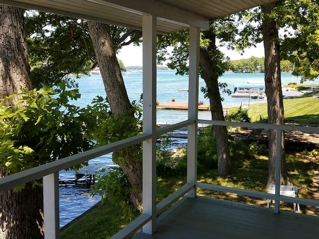 SPECIAL! Summer fun on Gull Lake!  Cottage w/dock!