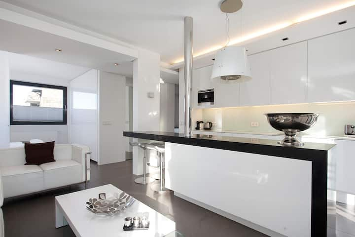 LUXURY APARTMENT IN THE HEART OF THE CITY