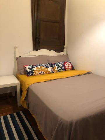 Cosy room in Barcelona centre