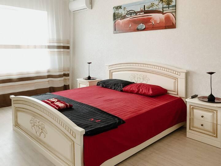 Современная квартира возле реки на Набережной