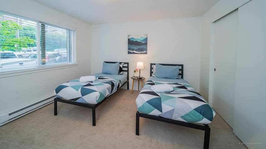 Bright and modern Queen Anne 3 Bedroom #3