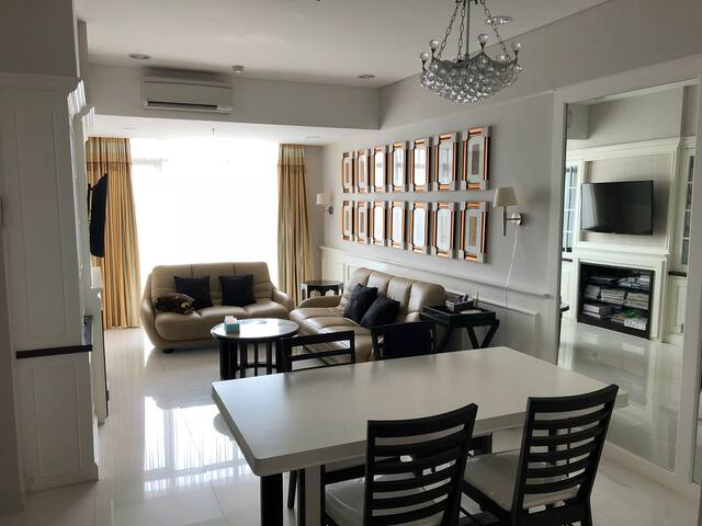 Trillium Suite Room