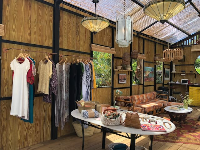 clothing and jewelry store