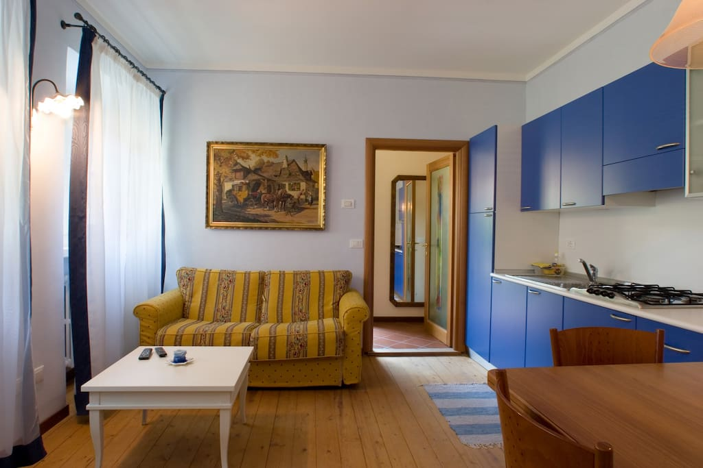villa riva chat rooms Book your room at the villa riva hotel today with alpharoomscom and enjoy a fantastic holiday in makarska tta bonded, instant hotel confirmation and incredible prices.