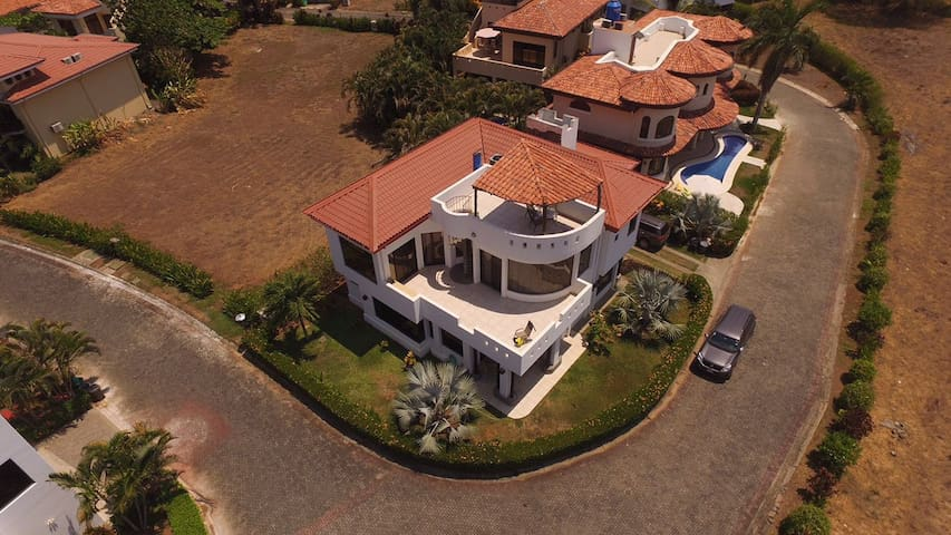 3800 sqf Ocean and beach view House - Playa Hermosa - Villa