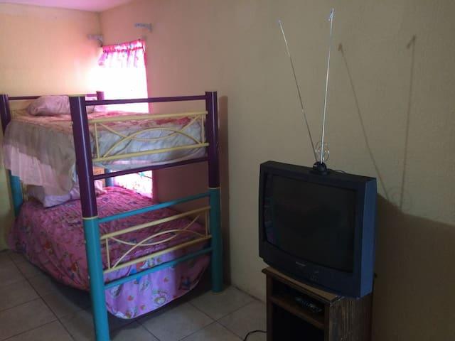 Casas de huéspedes Blanquita (habitacion propia) - Ciudad Juárez - House