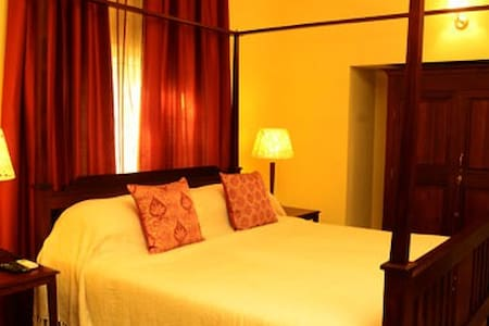 Picturesque Room with a private pantry Nungambakam - Chennai - Willa