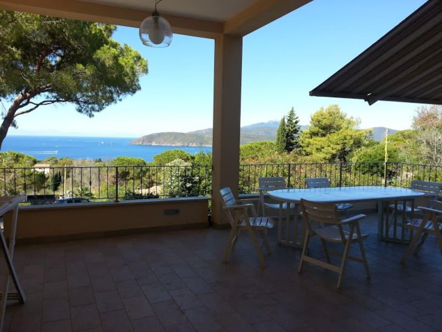 Villa iole vista mare pineta a 700 mt spiaggia case in for 700 piedi quadrati a casa