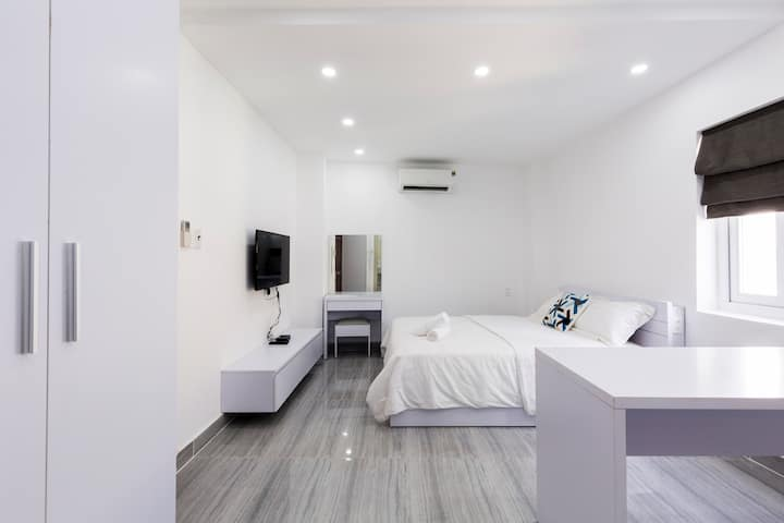 New! Spacious Apt - Central HCMC