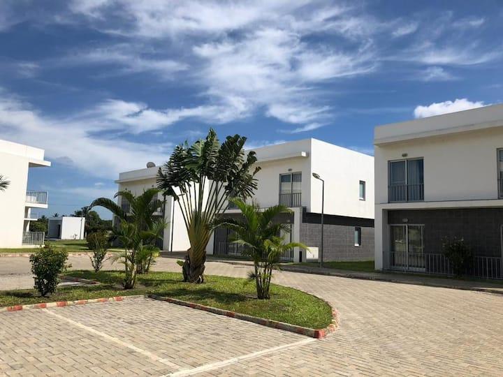 Luxury Apartment in a safe Condominium in Beira