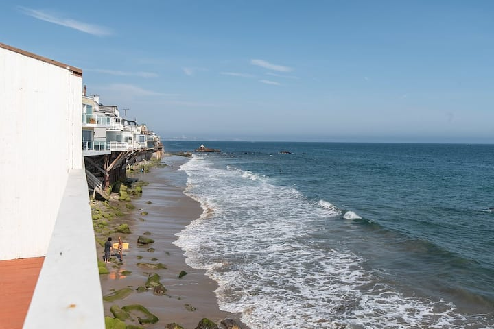 Beachfront Oceanview Malibu House 1 bdr | 4 sleeps