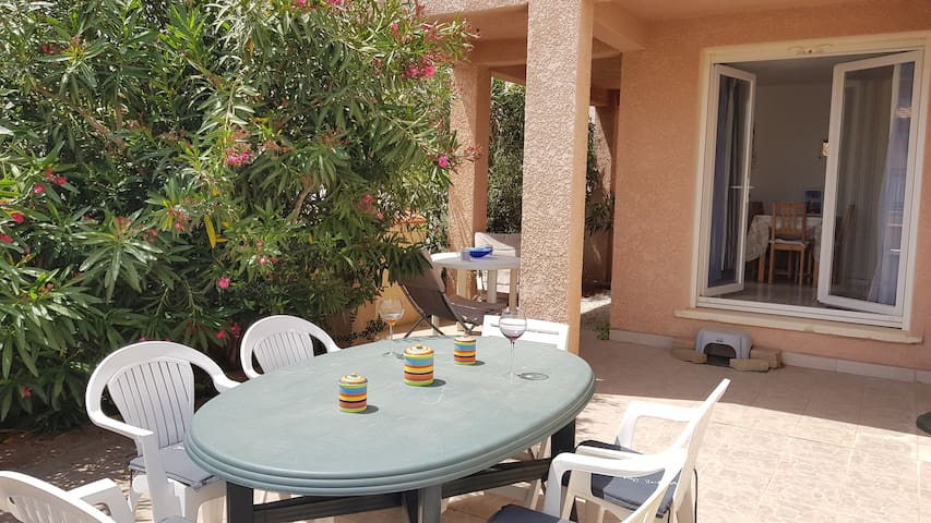 Nice 2 bedroom house in SAINT-PIERRE-LA-MER