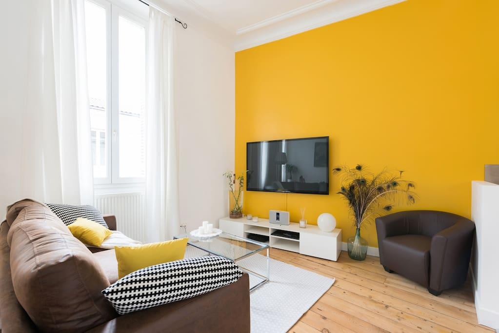 charmant t3 equipe avec jolie terrasse et parking appartements louer bordeaux aquitaine. Black Bedroom Furniture Sets. Home Design Ideas