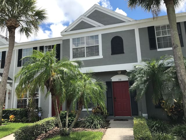Waterfront Townhouse near Beaches, Parks & Trails