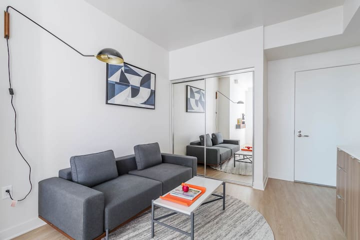 SMART CHIC & BRAND NEW! Private Suite a Coliving Apartment in Westwood - 411C