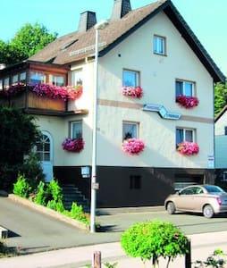 Ferienwohnung Poensgen - Hellenthal - Huoneisto