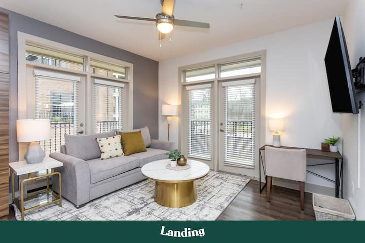Landing | Modern Apartment with Amazing Amenities (ID321288)