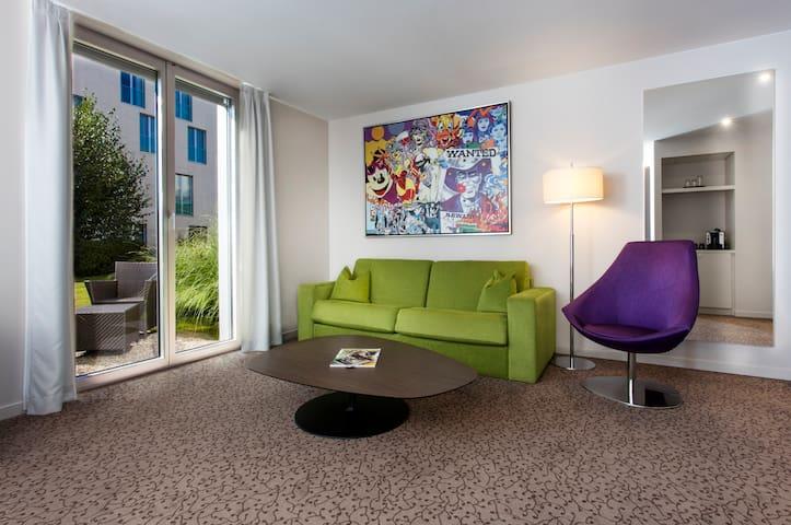 Suite n°3 avec petit jardin proche de EPFL & lac