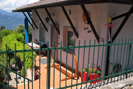 Casa Heli I  Gardasee 4/6 Pers - San Zeno di Montagna - Huoneisto