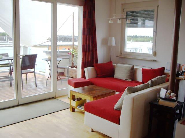 Wohnzimmer, Küche, viel Licht, Luft, Himmel - Friburgo - Appartamento
