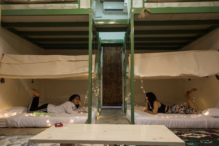 UNIQUE DESIGN DORM 6 - BIG BED@Breakfast - Central