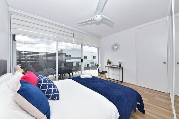 Cozy Apartment Near Airport & Perth City 05