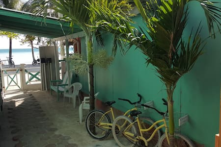 LUNA  PRIVATE ROOM - Caye Caulker