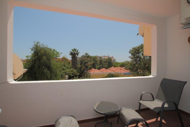 Studio apartment, central Albufeira