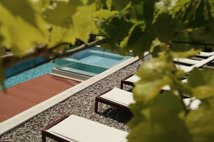 Pula's best late bird pool&hot tub