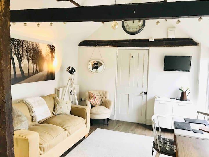 Cambridge one double bedroom apartment sleeps 4