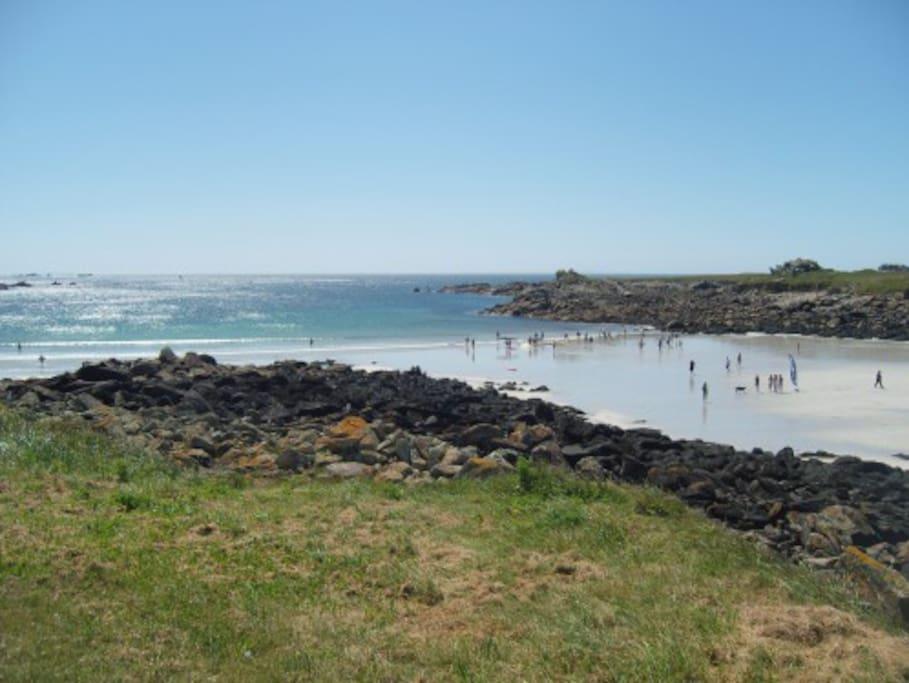 La plage des Dames. Baignade, familiale et presqu'île St Laurent