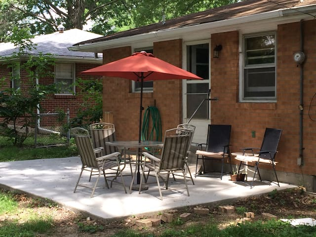 Convenient location in a quiet neighborhood. - Columbia - Dům
