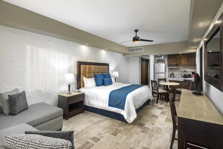 Satisfying Room Luxury At Mazatlán
