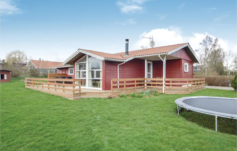 Holiday cottage with 4 bedrooms on 100m² in Hejls