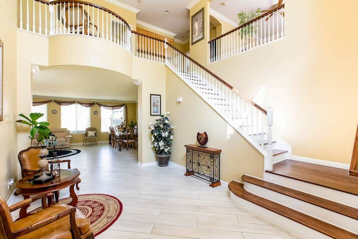 Luxurious 5-Bed, 3 Bath in Wine Country