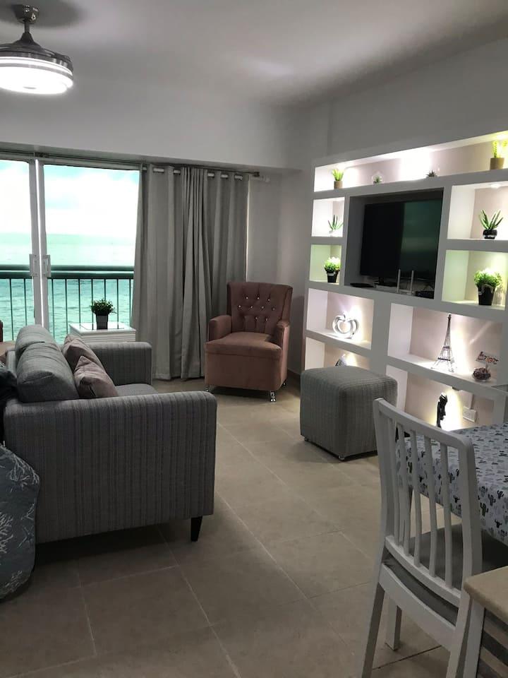 Hermoso Apartamento-Estudio frente al mar -Malecón