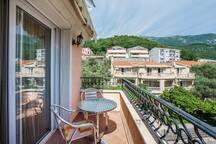 Near Sveti Stefan Apartment for 2-4 people