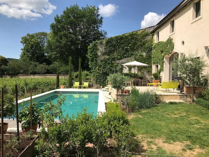 Ancienne ferme viticole à Meursault avec piscine.