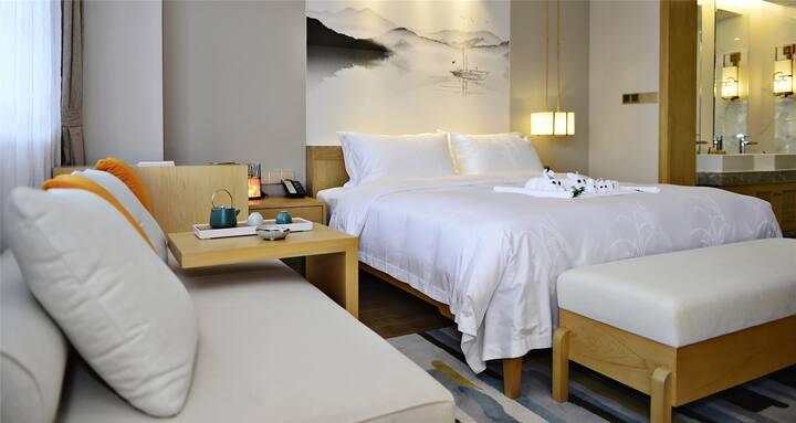 丽江GF健康养生酒店.东巴秘境 玉龙雪山看得见风景的大床房+定制健康养生早餐2份