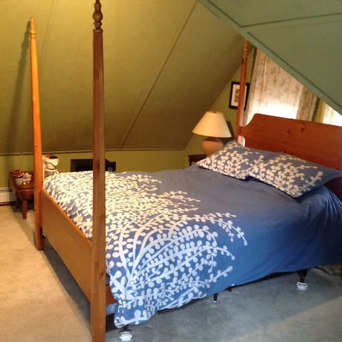 A-Frame Room Available - Schroon Lake - Pis