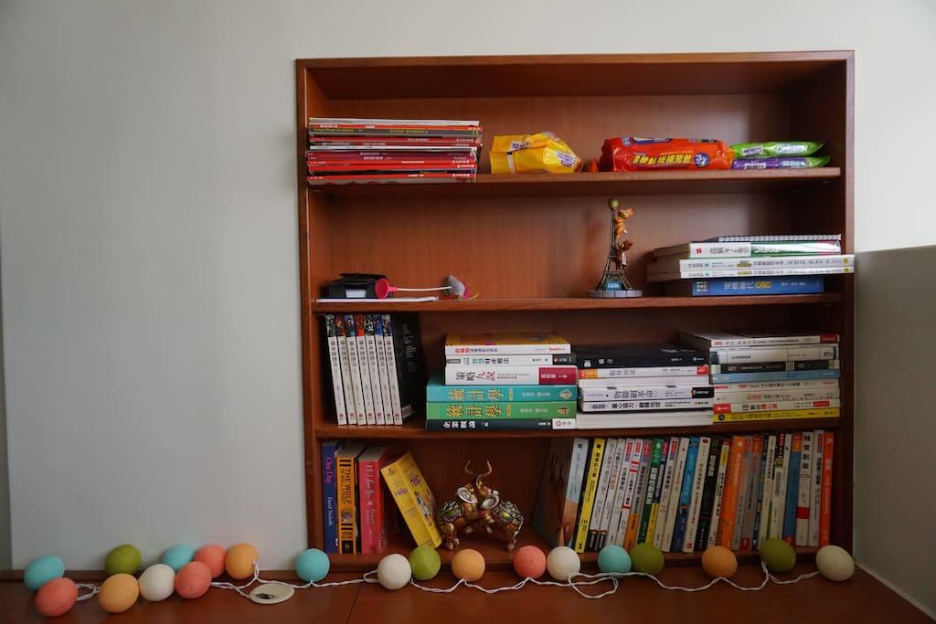 客廳/書櫃