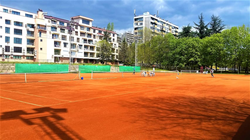 Tennis Courts - 2 min away from the apartment
